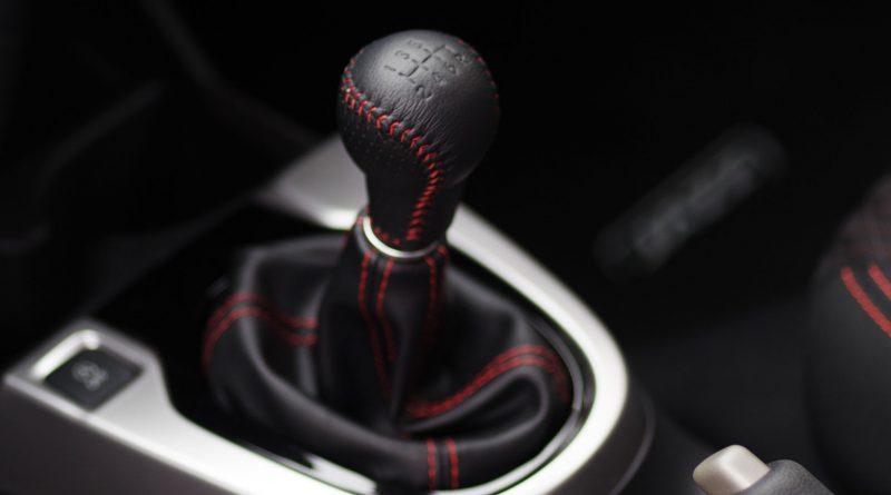 Honda učí, jak používat manuální převodovku!