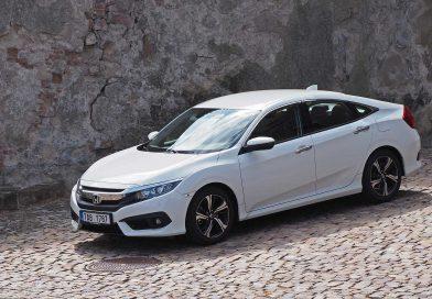 Test Honda Civic Sedan 1.6 i-DTEC: premiéra na jedničku