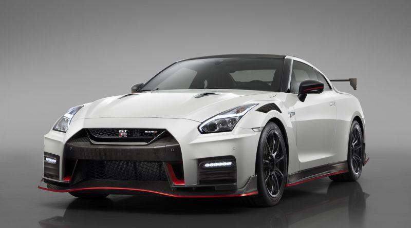 Nissan obhajuje dlouhověkost GT-R. Jakou přináší výhodu?