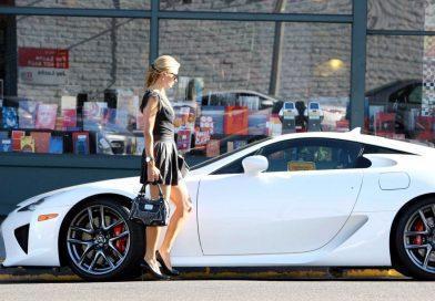Prodává se Lexus LFA Paris Hilton. Je dražší, než nový…